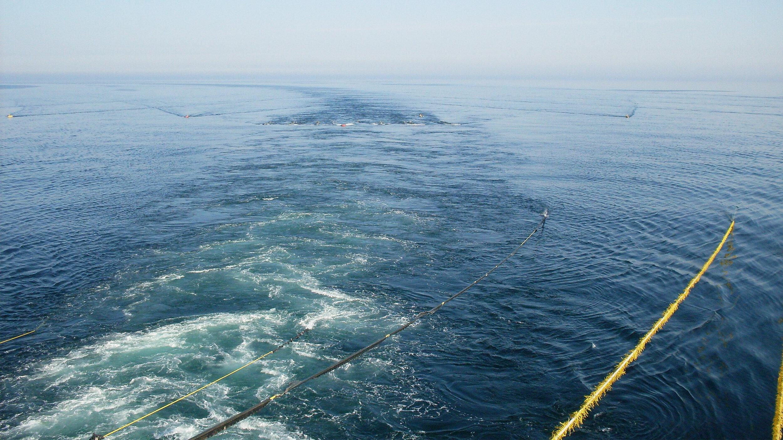海底连续油管下行管线