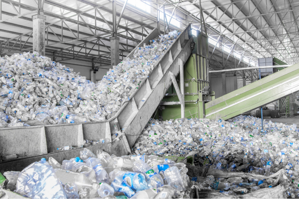 1110x740Sustainability-recycling-plastic-bottles