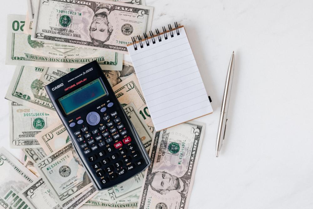 1110x740calculator-money-measuring