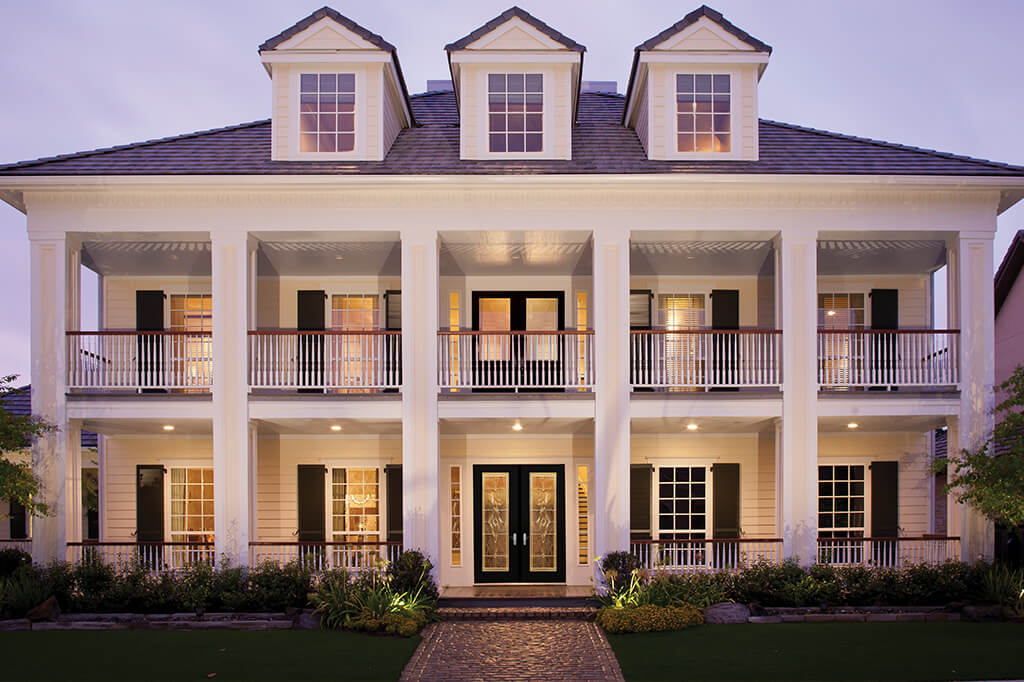 Traditional style home with grand entryway