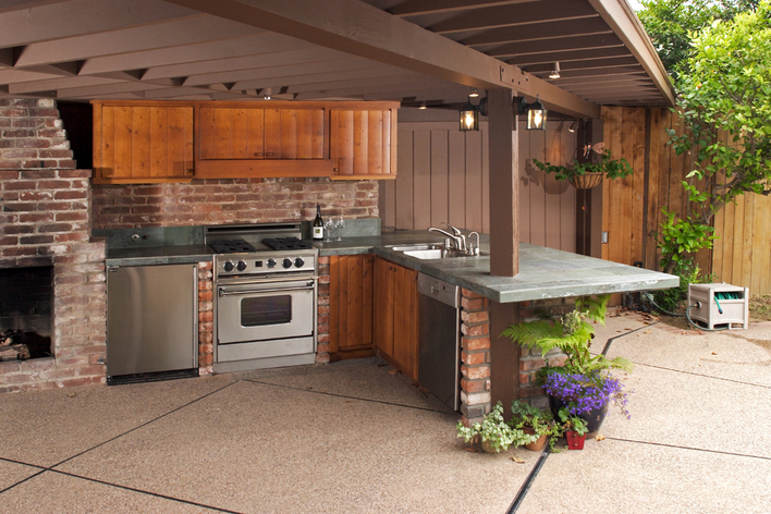 A beautiful outdoor kitchen