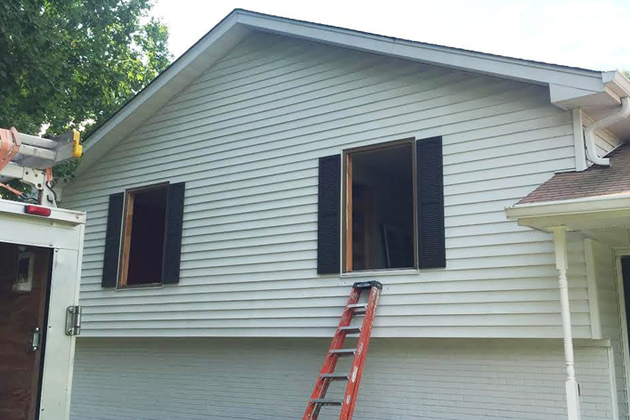 House getting windows removed