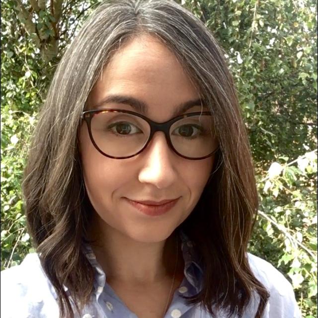 Dr. Lucía Pérez-Díaz