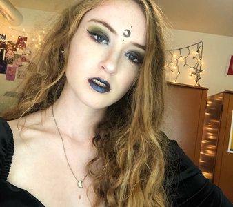 Dark makeup, showcasing halloween trends