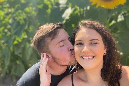 HC Winona writer Jada Escalera and her boyfriend Aleck in sunflower field