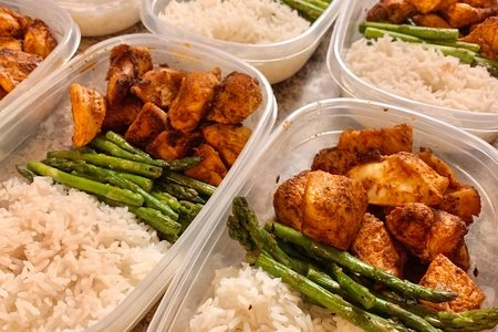 Cumin-spiced Chicken and Asparagus with Rice