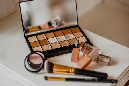makeup with brown color scheme