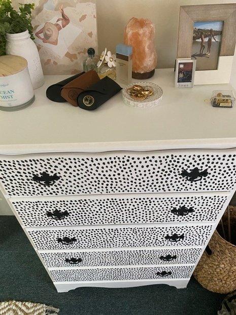 Dresser picture