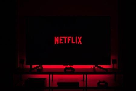 netflix logot on tv