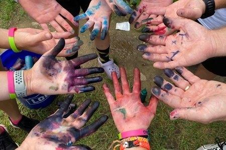 Tie dye hands rep image