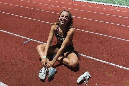 yasmine on the track