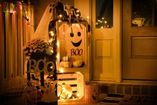 Decorated door for halloween