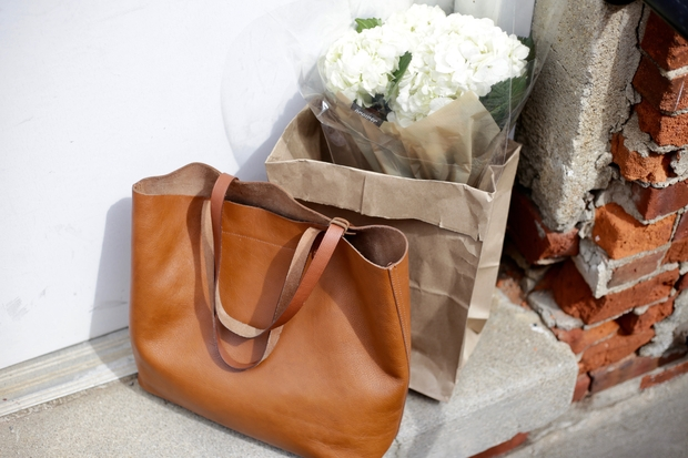 fashion bag flowers white leather simple minimal