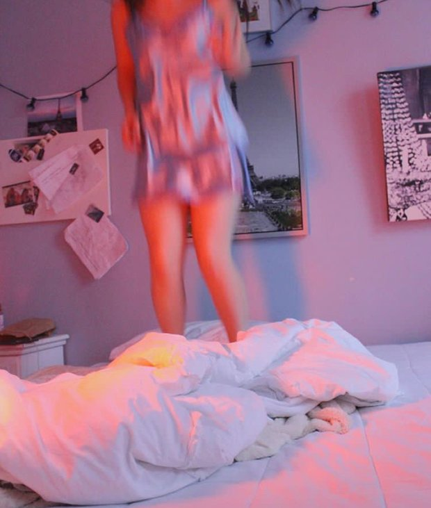 Anna Schultz-Jumping Bed Pajamas Pink Light