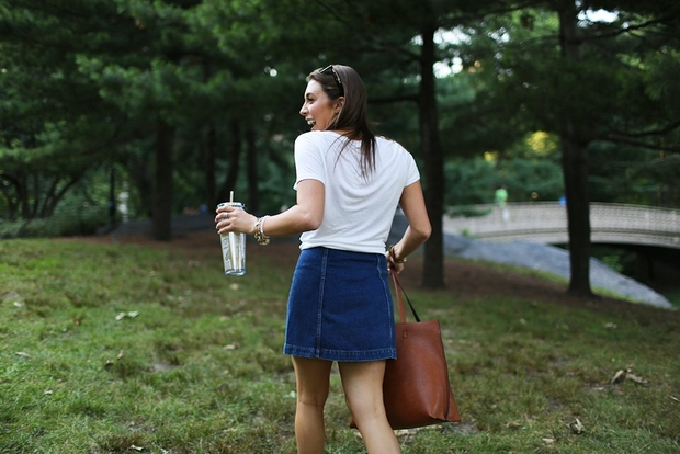The Lalagirl Walking With Leather Bag