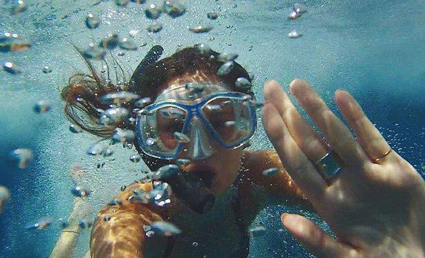 Meredith Kress-Snorkel Bubbles Underwater Selfie