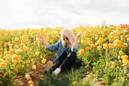 Molly Peach-Dancing In Flower Fields