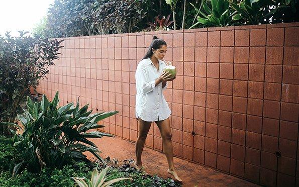 Summer Girl Hawaii Coconut Walking Chillin