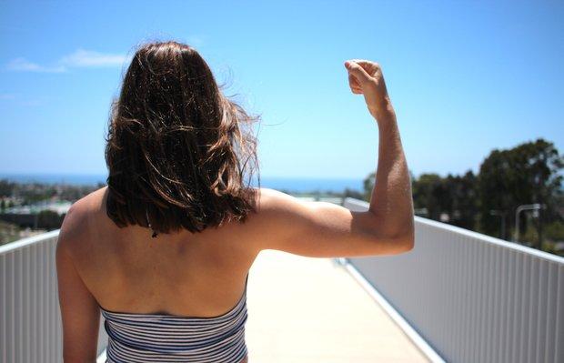 Kellyn Simpkin-Strong Girl Back One Arm