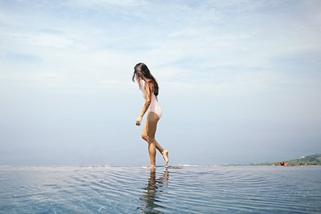 Summer Girl Hawaii Swimsuit Walking Water Cool