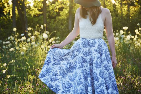 Girl In Porcelain Print Skirt In Feild 4