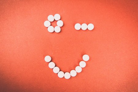Kristen Bryant-Winky Face With Pills