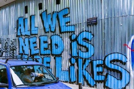 Street art critiquing social media