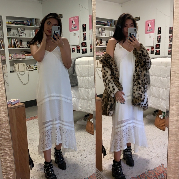 Spring outfit mirror selfies