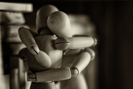 Hugging figures
