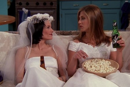 Rachel and Monica from Friends