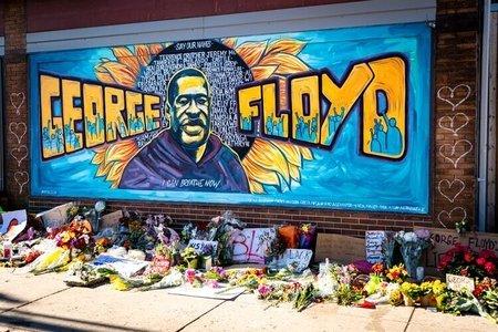 George Floyd memorial mural