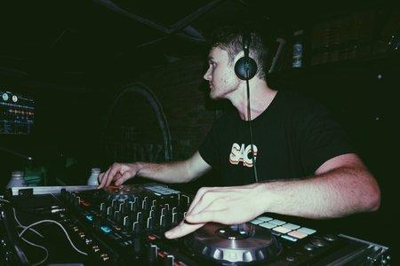 avello DJing