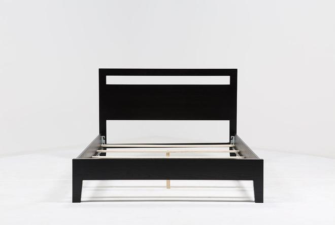 Milton Queen Panel Bed - 360
