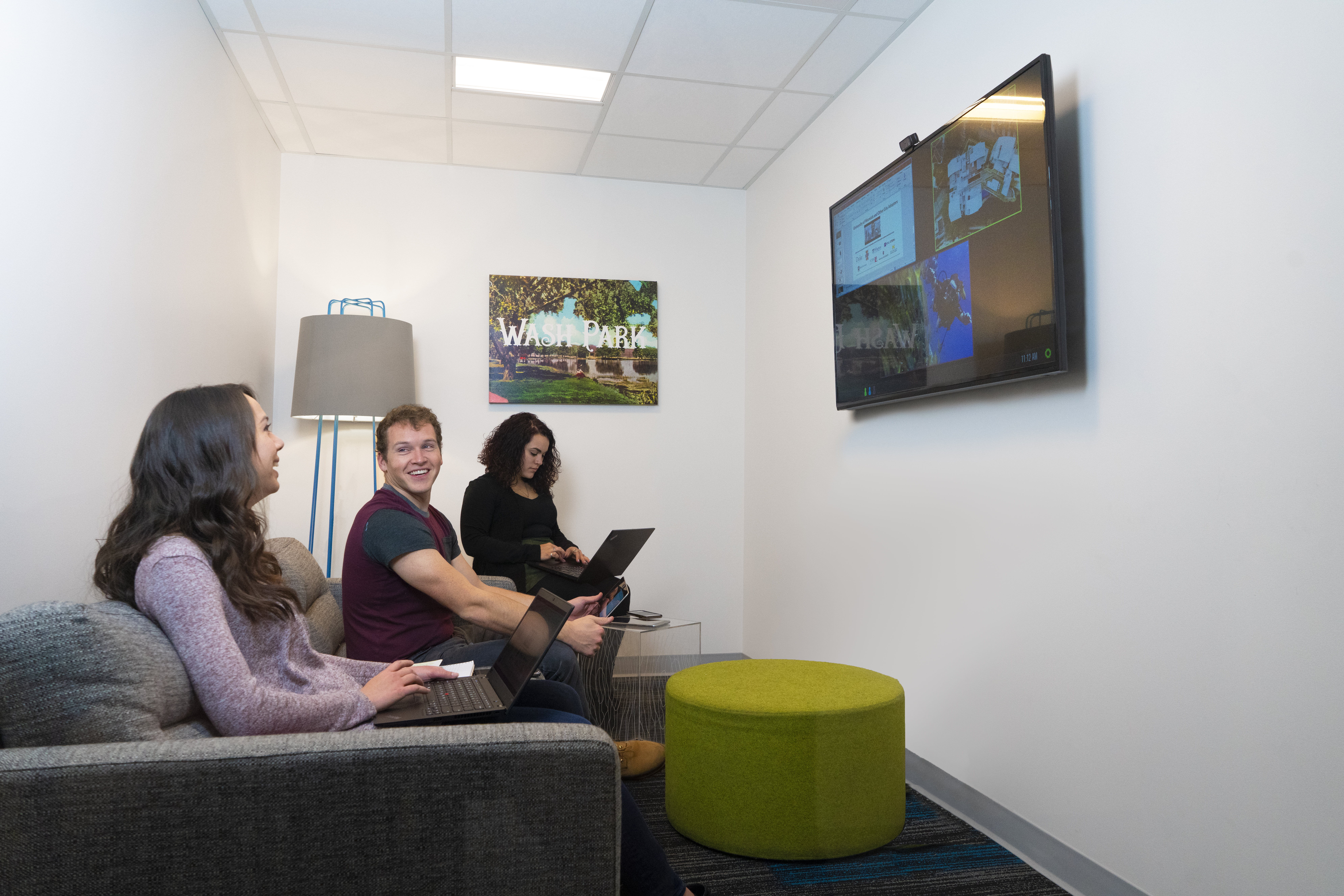 3 Workers using video conference